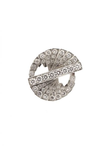 roure stairs diamonds ring</br>52